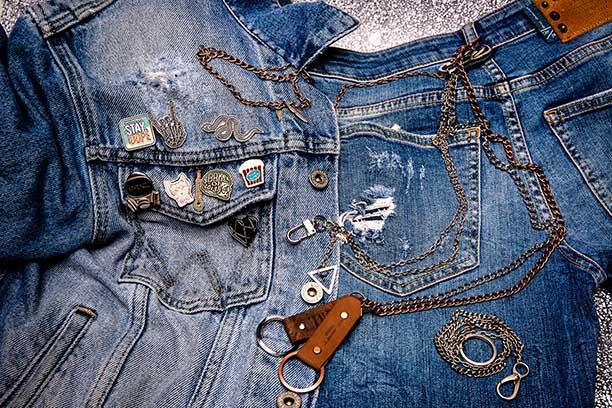 Accesorios ropa pines